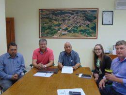 Reunião entre o atual e o futuro prefeito visa transição de governos em Estação