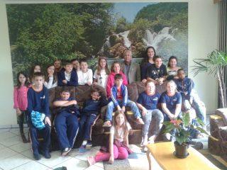 Turma do 4º ano da Escola Pedro Cecconelo visita Prefeitura e Câmara de Vereadores