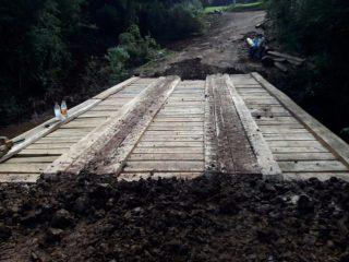 Ponte é construída na Linha Londero Estação