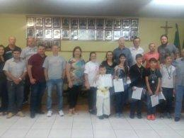 Alunos do Projeto Karate-Do recebem homenagem do Legislativo