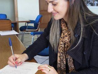 ASSESSORA PEDAGÓGICA DO MUNICÍPIO ASSUME SECRETARIA DE EDUCAÇÃO